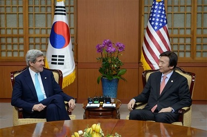 Kerry Urges S. Korea-Japan to 'Put History behind them'