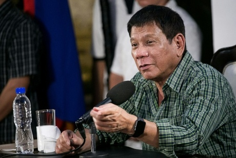 Philippines' Duterte invites United Nations chief to probe killings
