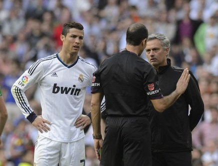 Real chief defends Ronaldo 'at all costs'; vows to solve his gripes