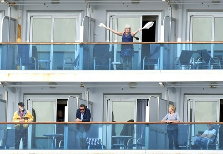 British passengers on board coronavirus-hit cruise ship to be flown home