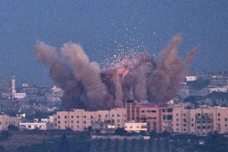 URGENTE: ¡Masivo Israel bajo ataque, Hezbollah a lanzando cientos de misiles que han traspasado los sistemas de defensa anti aérea! | Abc Es Noticias,